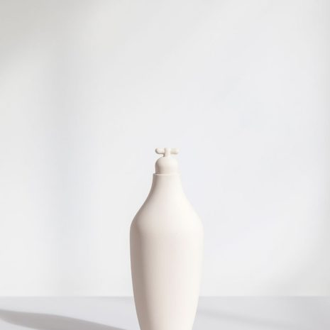 tap water carafe by lotte de raadt setting image by vij5 white 03