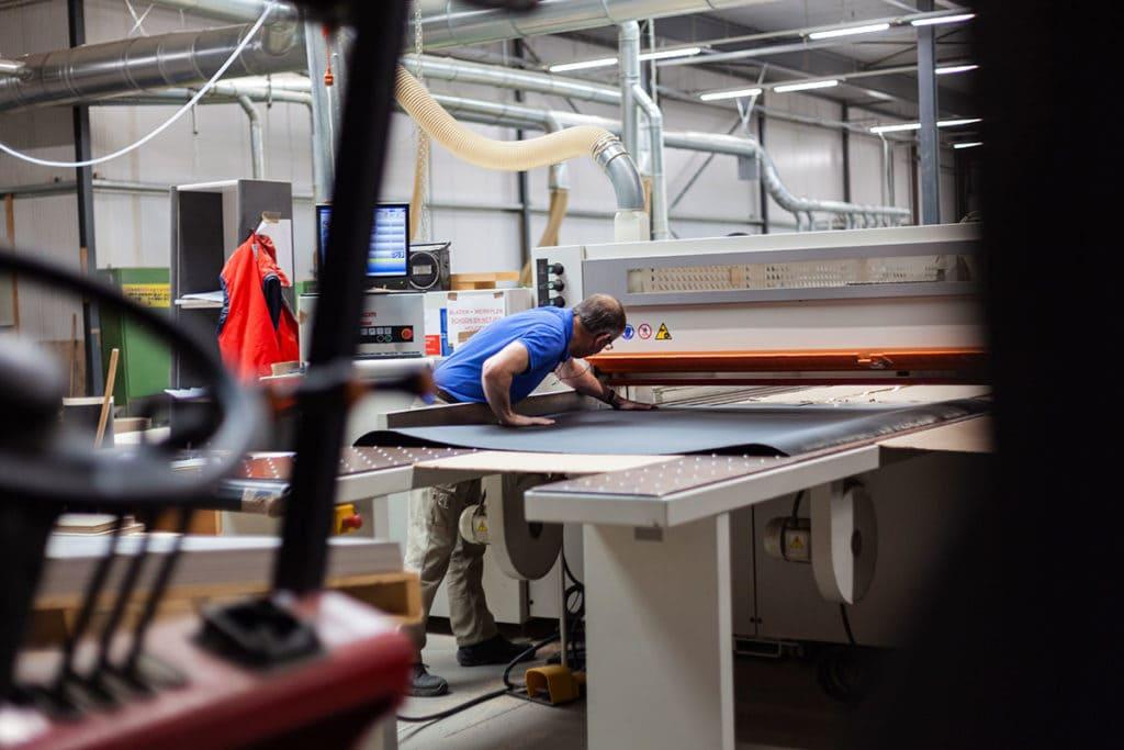 vij5 trestletable productie img 68741200x800 1