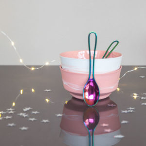 vij5 kerstset 2x pigments porcelain bowl pink 2x lepel img 8558