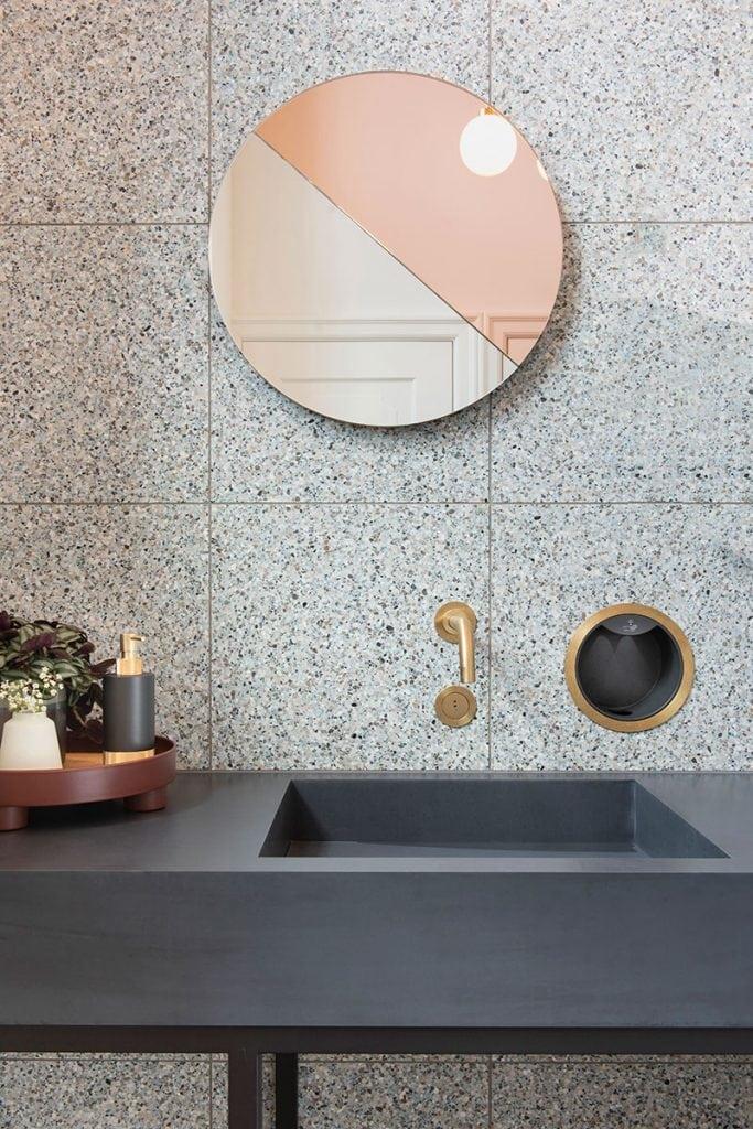 studio zebra marienhof toiletten image by suzanne paap bloominspiration hoger